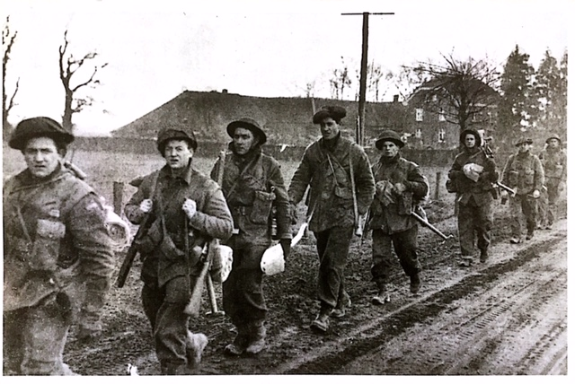 Argylls moving to Veen, 6 March 1945